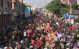 农历腊月二十六勤佛日 10多万人涌入泉州西街开元寺