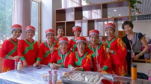 凤阳街长者走进致友泰宁养老院,一起欢度中秋